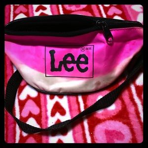 Handbags - Vintage LEE fannypack